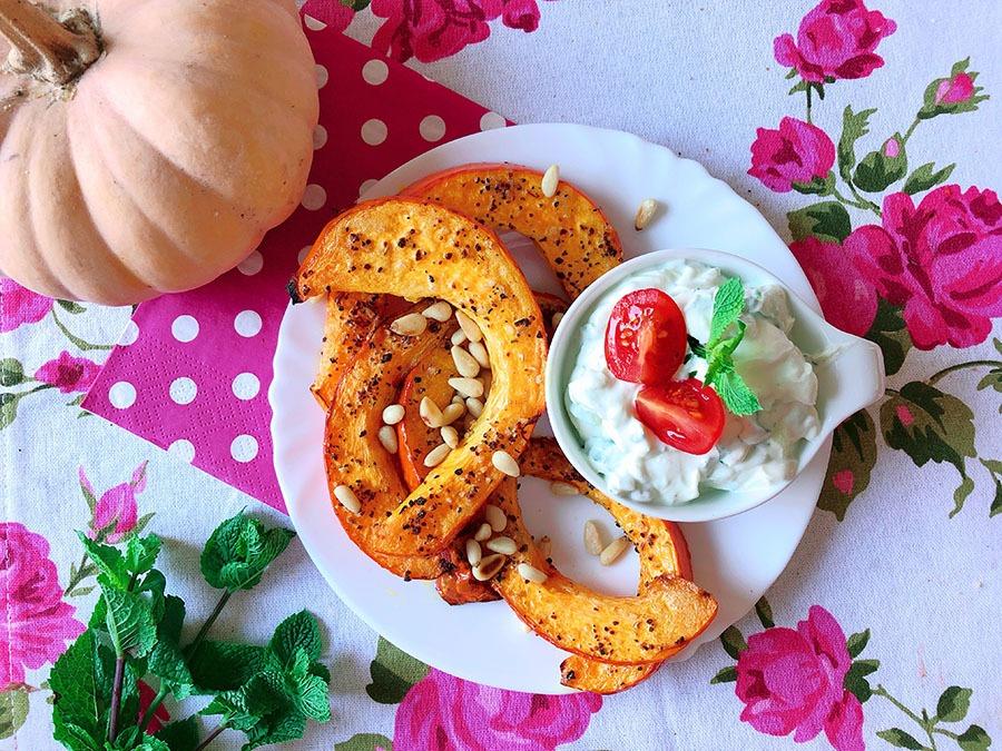 kuerbis spalten mit minz zucchini dip