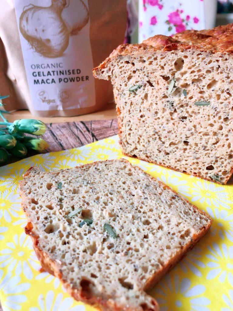 superfood eiweissbrot mit maca und chia