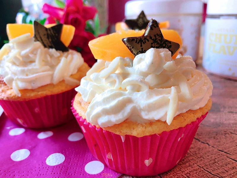 lowcarb cupcakes peaches and cream