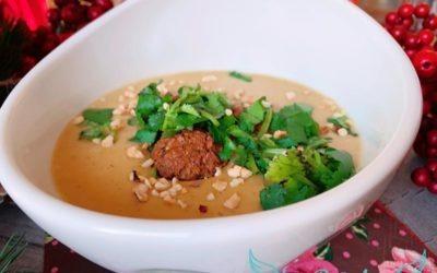 Süßkartoffel Erdnuss Suppe mit Falafeln